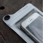 お手軽なiPhone防水ケースなら780円の安くてお洒落な「Splash Proof Case」がいい感じ