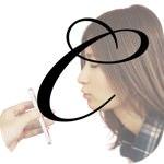 悪用厳禁!女の子のキス顔を撮れるiPhoneアプリが続々と登場!