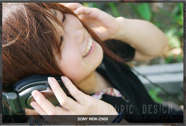 Headphone girls 4 1
