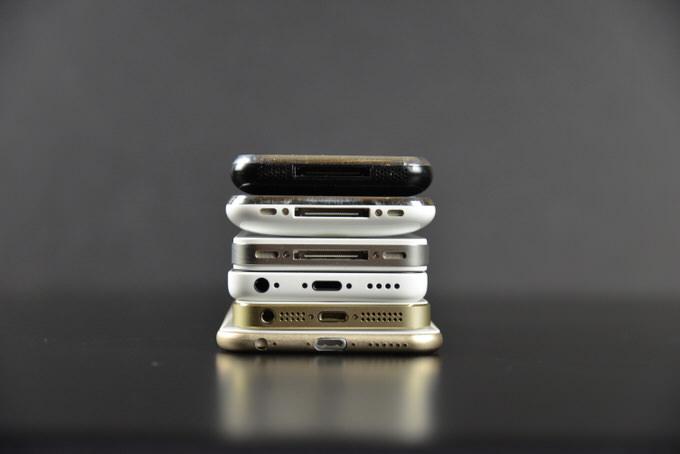 Apple iPhone 6 Mockup 47