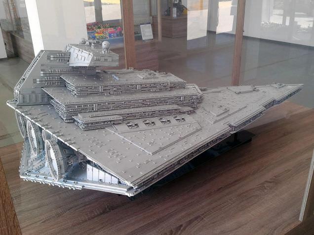 Lego Imperial Star Destroyer 8