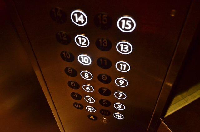 Elevator 358249 640