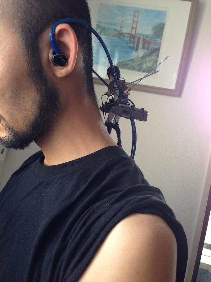 Twitter shingeki earphone 2