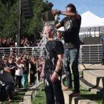 ティム・クック、ビル・ゲイツもバケツに入った氷水をかぶるチャリティー企画「Ice Bucket Challenge」