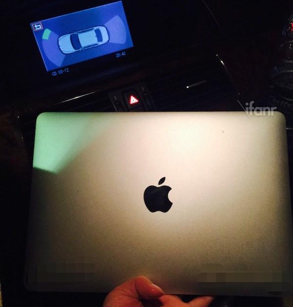 確かに小さい!MacBook Air 12インチのディスプレイ部分が流出?