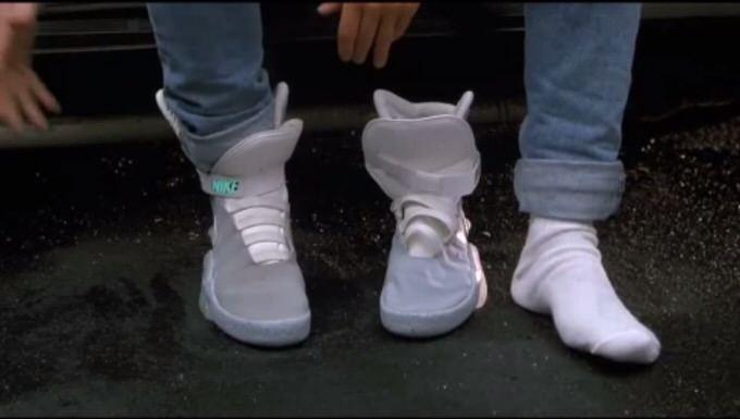バック・トゥ・ザ・フューチャーに登場したスニーカー「Nike Air MAG」が2015年中に一般発売!