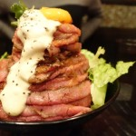 激ウマのローストビーフ山盛り!Red Rock(高田馬場)のローストビーフ丼