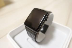 【レビュー】未来感が凄い!Apple Watch スペースブラックリンクブレスレットは圧倒的カッコ良さ!
