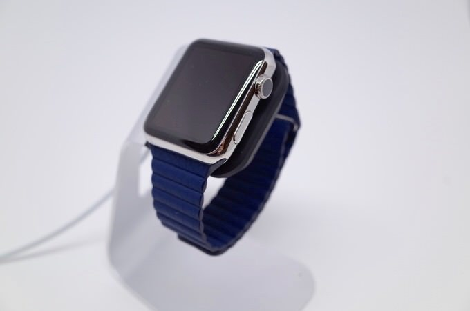 Apple watch stand 11