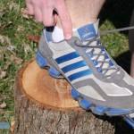 知らなかった!スニーカーの足首側にある謎の穴を使う結び方「ヒールロック」