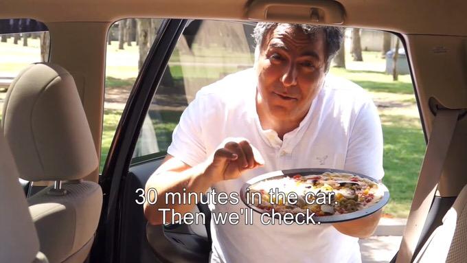 【衝撃】炎天下の車内にピザを放置すると30分でしっかり焼ける