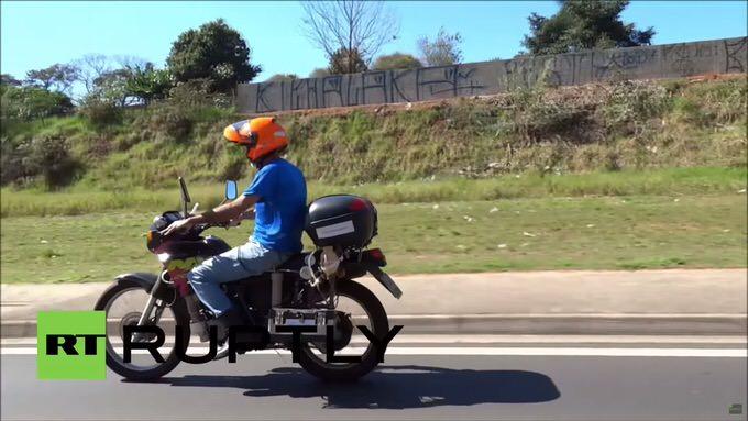 Motorcycle water runs kilometers 1