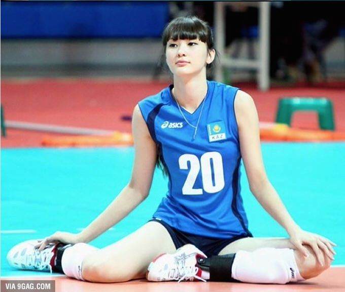 美しすぎるバレーボール選手、サビーナ選手が日本の実業団チームに入団!