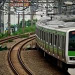 電車の携帯電話マナー「優先席付近では混雑時のみオフ」東日本の鉄道会社37社