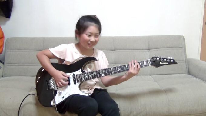 天才ギター少女現る!超難曲を笑顔で演奏する姿に世界中から驚きの声