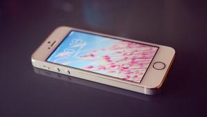 Apple、4インチ型iPhoneは新興国向けー日本経済新聞