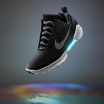 未来が来た!NIKE、自動で靴紐を締める「Nike HyperAdapt 1.0」を発表! ― 2016年末発売予定