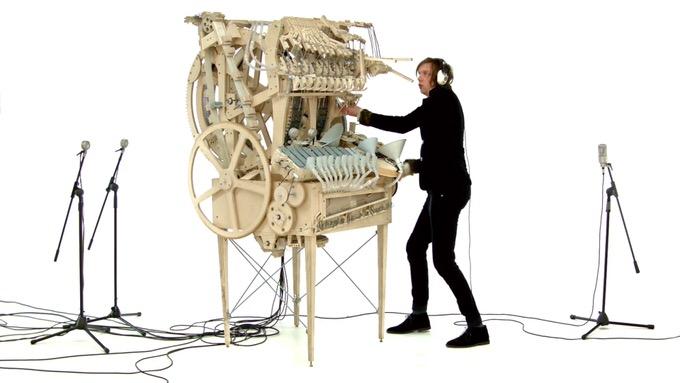 3000個のビー玉を使った超アナログマシンで演奏したDTMが凄い