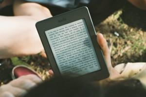 新型のKindleは防水?今週発表予定のハイエンドモデルの名称は「Kindle Oasis」か