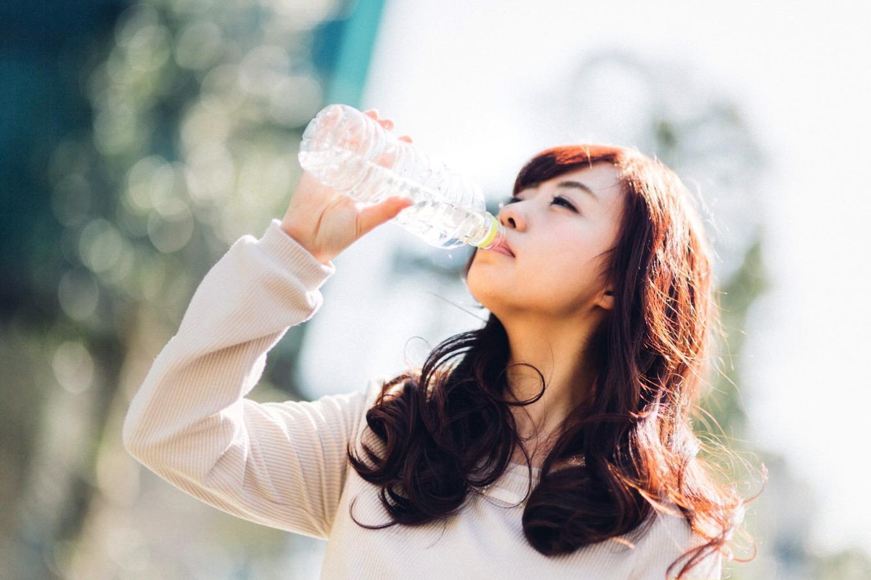 「水素水」は効果がない?水素水の中身は実は「アルカリイオン水」だったと話題