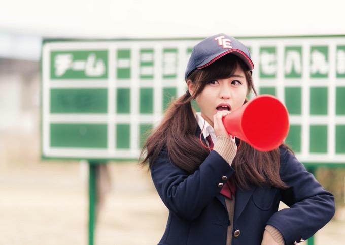 かっけぇぇ!野球部の女子マネが打つ「ノック」が上手いと話題!