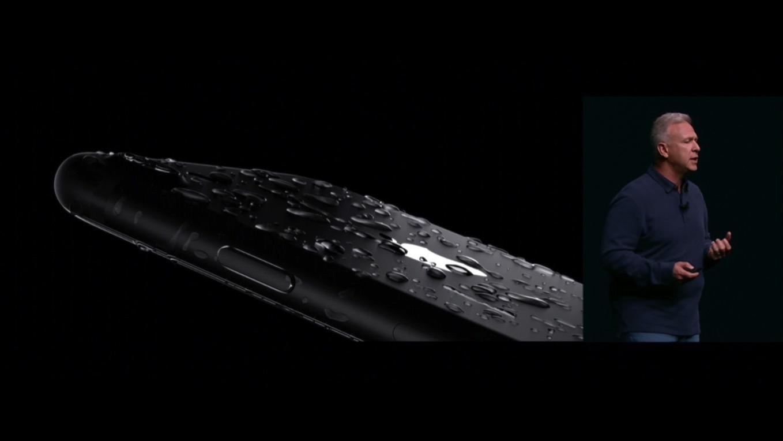 【マジか】iPhone 7、防水仕様でも「液体による損傷は保証の対象外」