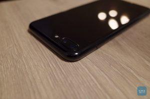 【レビュー】極限までiPhoneをカバーする透明ケース「Simplism Aegis」