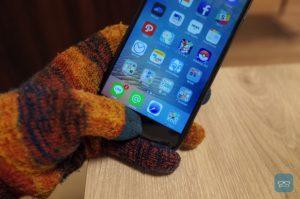 iPhone 7のホームボタンはスマホ対応手袋では動かない?ユニクロの手袋は動作するという報告あり