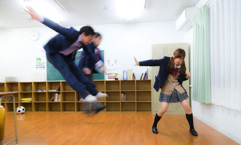 女子高生流行語大賞2016が発表 ―― 「卍(まんじ)」「スノる」などがランクイン