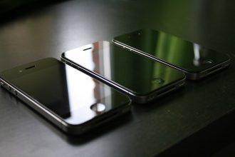 名機「iPhone 4」のボディが復活!? 次期iPhoneはステンレス製で新デザインとなる可能性