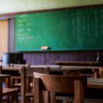 「学校の校歌を総合的に要約してみた」という歌詞に共感するユーザーが続出