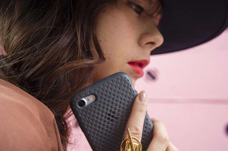 【最大82%オフ】人気のiPhoneケース「AndMesh」が春の感謝セールを開催