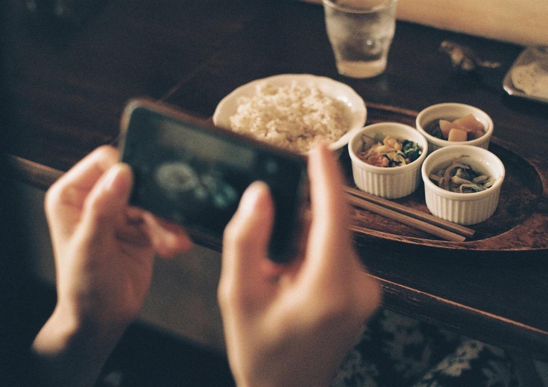 iPhoneで写真の影を消すことができる「ブリリアンス」が話題に