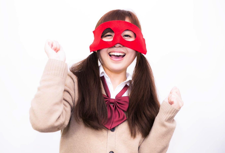 【これは…】「校則でポニテ禁止」をうけ、PTAが満足しそうな女子中高生の服装をイラスト化