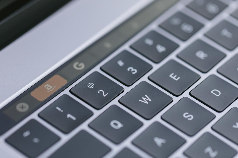 【またか】macOS High Sierraでどんなパスワードでもロック解除できるバグが見つかる