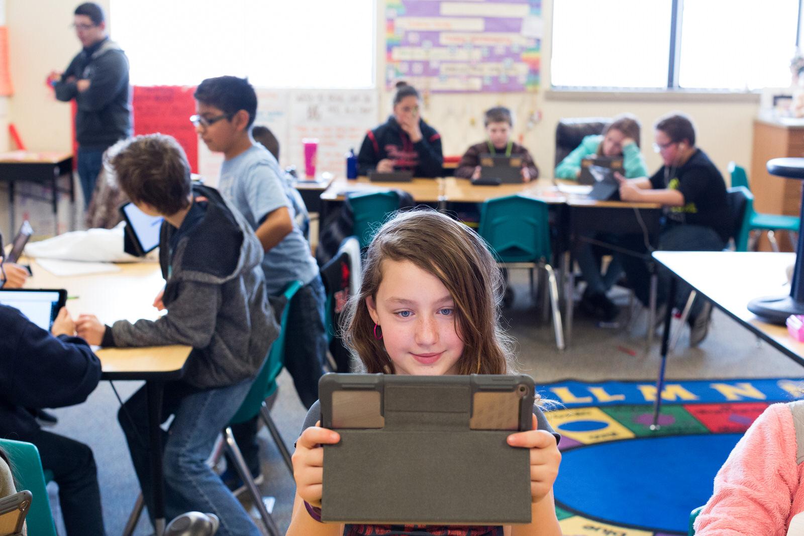 お手頃価格の新型「iPad 9.7インチ」は買い?「 iPad Pro 10.5インチ」と比較してみた