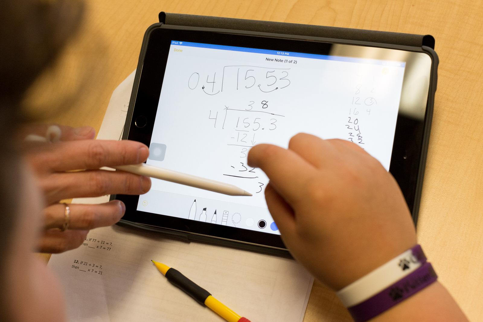 Teaching_long_division_using_iPad_Pro_03272018