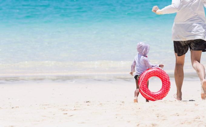 水遊びは要注意!乳幼児は溺れる時「叫びません」「静かに沈む」と注意喚起