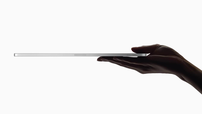 新型 iPad Proのボディが曲がっている問題、Appleが公式サイトで説明「紙4枚の厚さ未満しか許容されない」