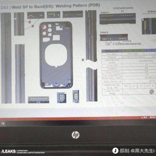次期「iPhone」の図面が流出か、背面にトリプルレンズカメラと見られる3つの穴