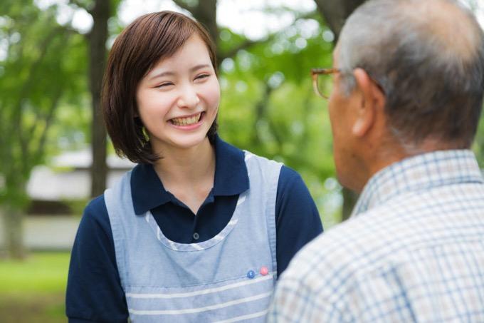 「歳をとるのは怖くない。それは娘が介護士だから」転職サイトの広告が物議