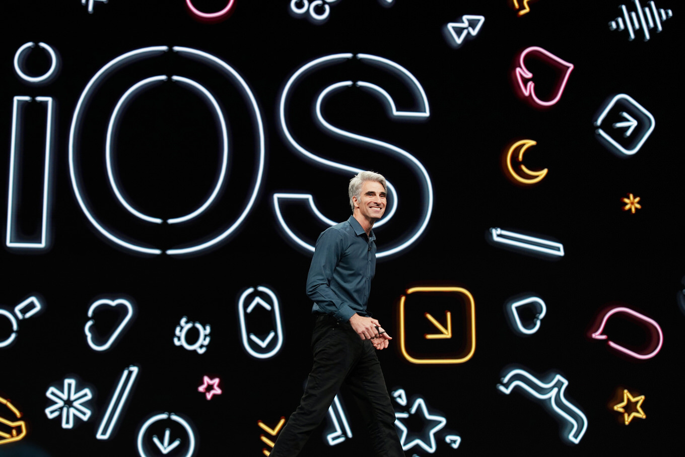 Apple-highlights-from-wwdc19-Craig-Federighi-unveils-iOS13-06032019