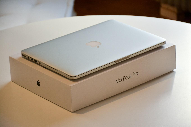 新型「MacBook Pro 16インチ」薄型ベゼルを採用することで15インチと同じボディサイズに