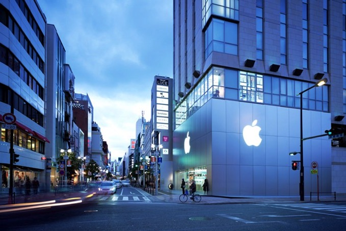 「Apple 福岡天神」移転予定地の外観があらわに、「Apple カロスキル」のような店舗に?