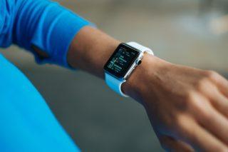 「Apple Watch Series 5」が42%OFF!なんと35,600円も割引です