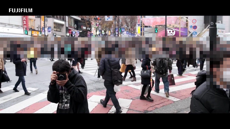 """「FUJIFILM X100V」PR動画に""""盗撮""""と炎上、富士フィルムが謝罪 動画では何を語っていたのか"""