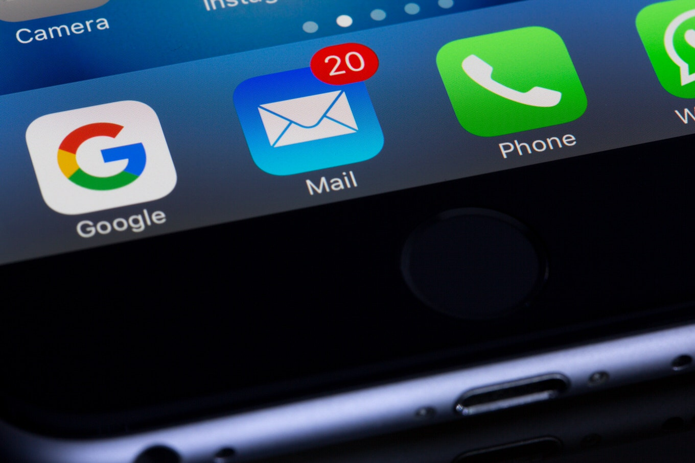 これは期待。iPhoneのデフォルトブラウザやメールアプリを、変更できるようになるかも