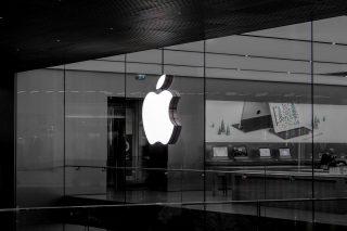 「今年のiPhoneは数週間遅れる」Appleが異例の明言、10月以降に発売へ