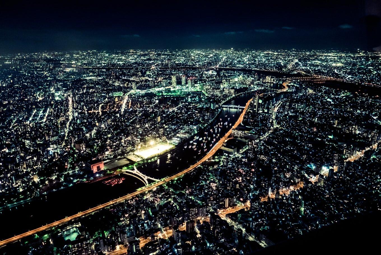 関東上空に大火球「爆発音が聞こえた」という報告が相次ぐ 「上の階の人」と勘違い投稿も話題に