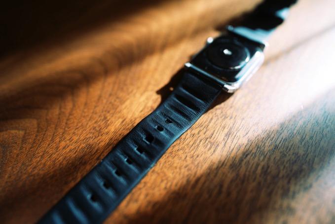 apple-watch-nomad-active-strap-5.jpg